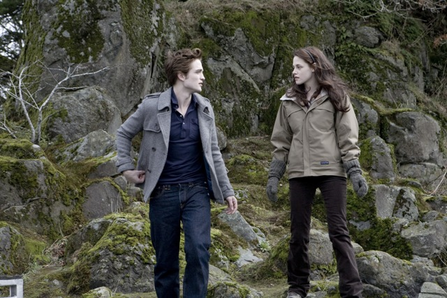 TWILIGHT FILMING LOCATION Bella and Edward On The Rocks at The Shire