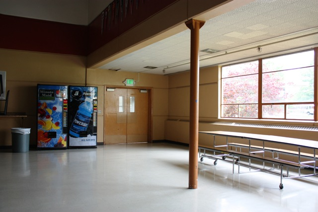 TWILIGHT FILMING LOCATION Edwards Piano Scene St. Helen H.S.