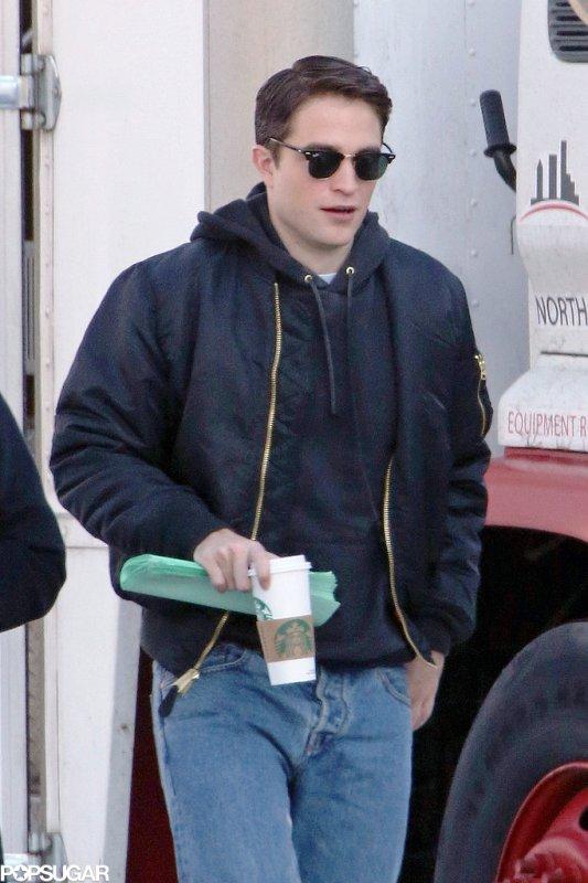 Robert-Pattinson-Filming-Life-Black-Hair2rr