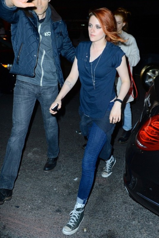 Kristen Stewart is seen arriving at Rihanna's Met Gala Afterparty in NYC Monday evening. She changed into comfy jeans and sneakers, unlike many of the other celeb guests who kept their ball gowns on. Pictured: Kirsten Stewart Ref: SPL751967  060514   Picture by: Splash News Splash News and Pictures Los Angeles:	310-821-2666 New York:	212-619-2666 London:	870-934-2666 photodesk@splashnews.com