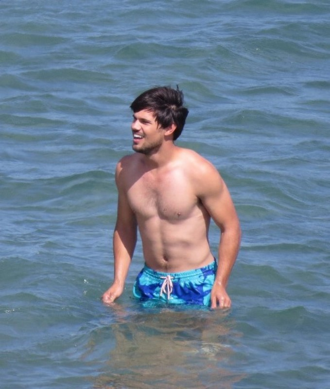 Taylor Lautner Filming Run The Tide